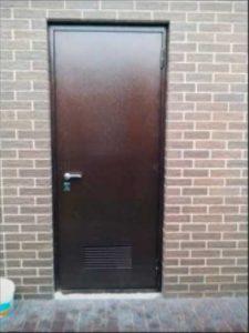 Рис.5. (дверь открывается наружу)